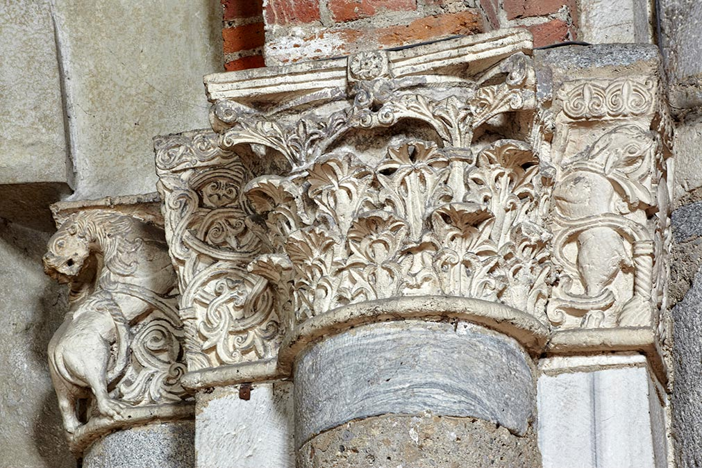 Particolari di capitelli delle colonne di S. Celso.