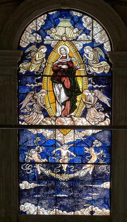 L'Assunzione della Madonna (vetrata istoriata).