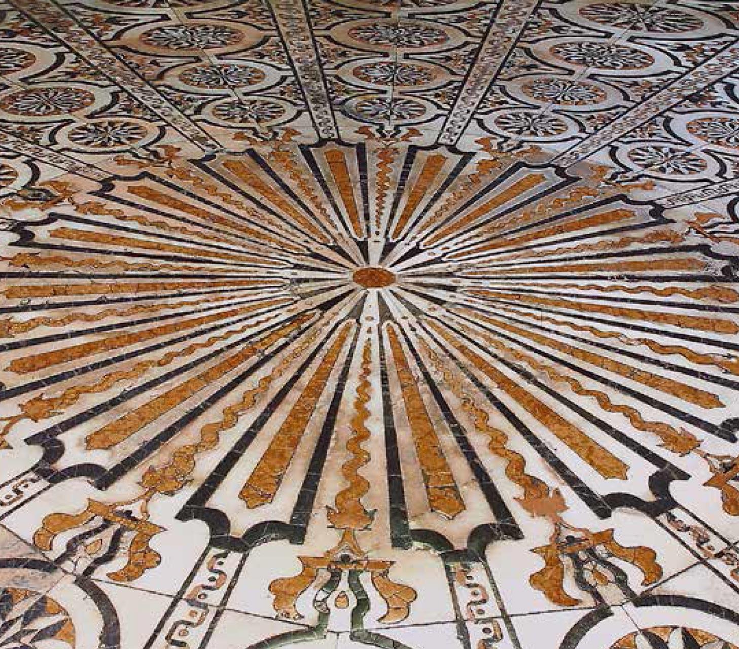Il pavimento del 1800. sotto la cupola.